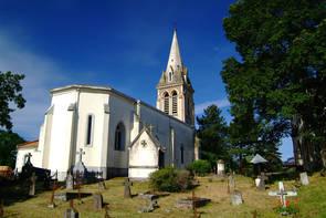 L'église de Soorts et son cimetière en premier plan